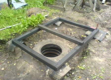 Нижняя обвязка для дачного туалета