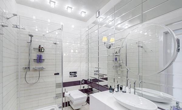 Зеркальная плитка в интерьере ванной комнаты