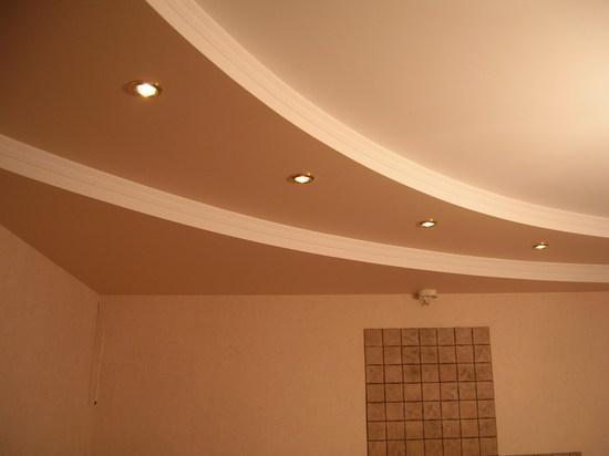 Двухуровневый потолок из гипсокартона с подсветкой фото
